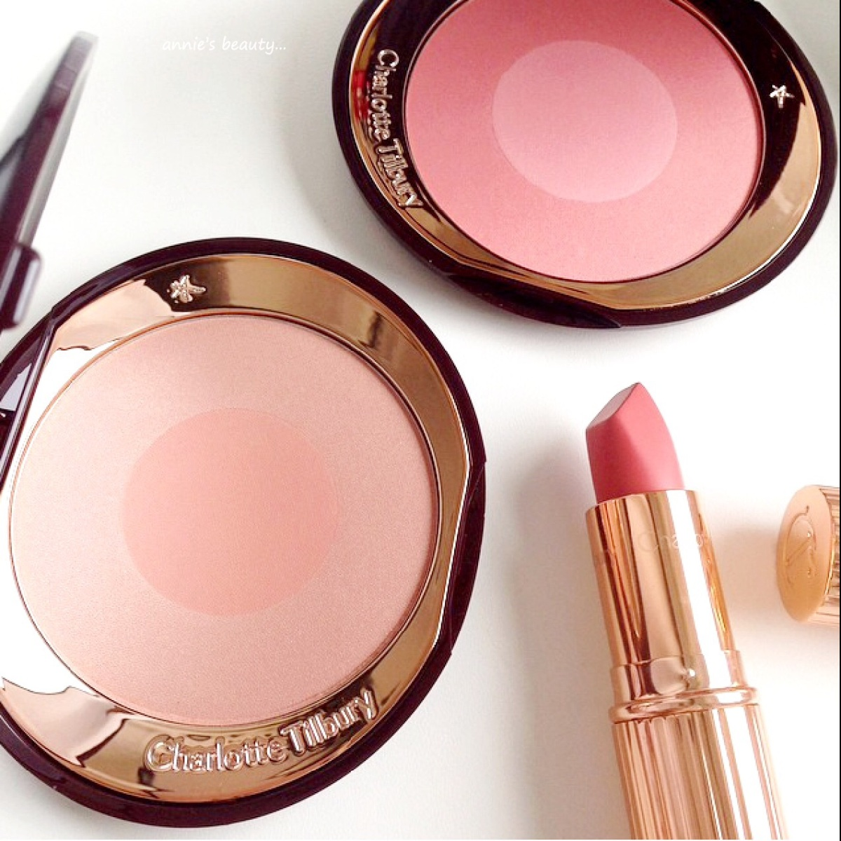 CHARLOTTE TILBURY Cheek to Chic Swish & Pop Blushers in FIRST LOVE and LOVE GLOW - review, swatches, comparisons...