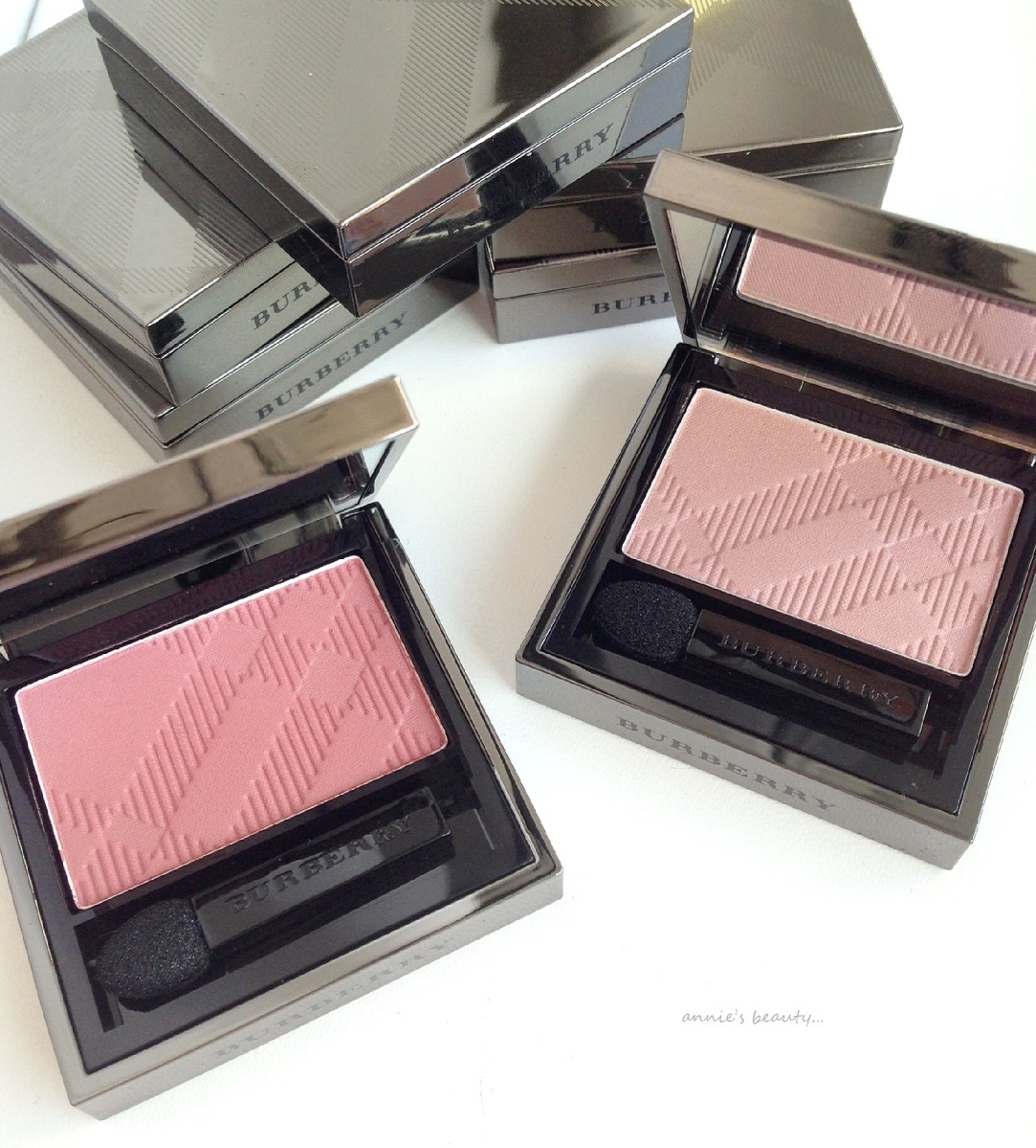 BREAKING NEWS! BURBERRY launches two more eyeshadows in a NEW formula: EYE COLOUR SILK #200 TEA ROSE and #201 ROSE PINK
