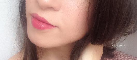 Dolce & Gabbana Sophia Loren No.1 Lipstick anniesbeautyblog swatch